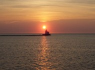 west-pierhead-lighthouse-at-sunset